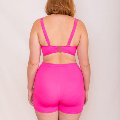 Classic bra with elongated trim and elongated shorts